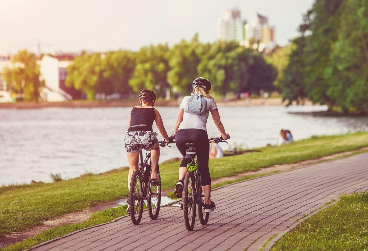 Plein air de proximite parc eau cyclistes